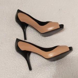 Marc Fisher Heel Shoe Peep Toe Ivory Black Size 7M